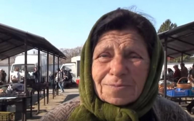 A néni csak árulja a magvait a piacon, és nem is tudja, milyen fontos tudást örökít át