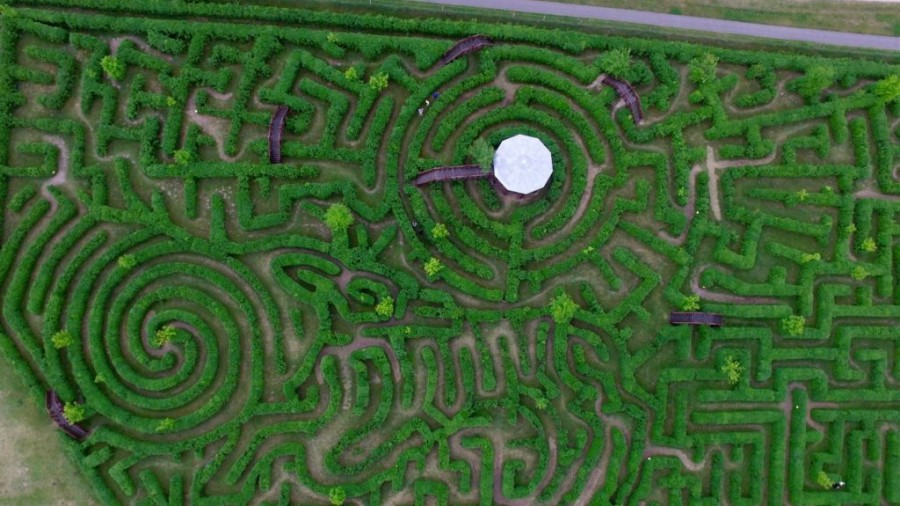 Dobogós helyen az ópusztaszeri labirintus
